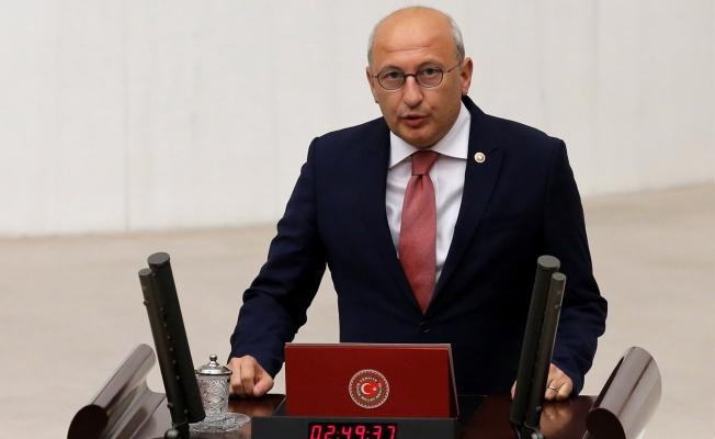 CHP 'beyin göçü'nün nedenleri araştırılsın dedi, AKP reddetti