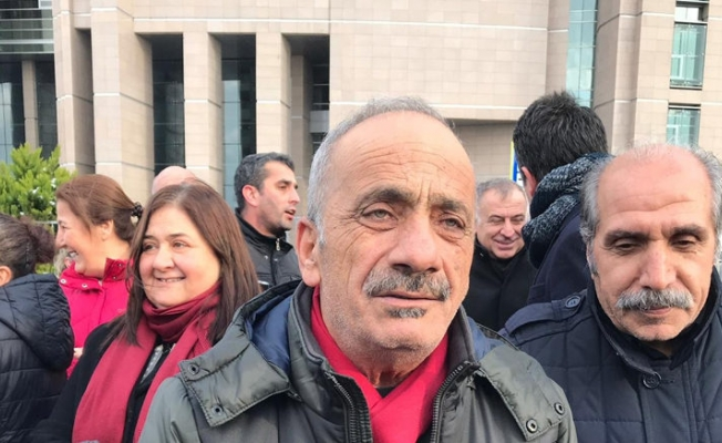 Eren Erdem'in babası, cezaevi önündeki konuşmadan sonra işten çıkarıldı