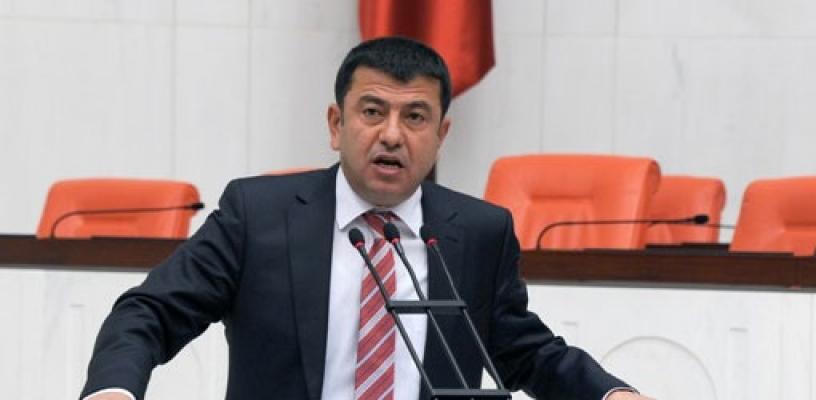 """""""Gazeteciliği yok ediyor, YANDAŞ GAZETECİ istiyorlar!"""""""