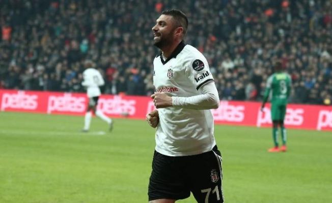 Beşiktaş Burak Yılmaz'la Güldü!