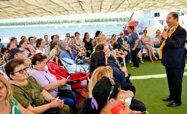 Maltepe Belediyesi bin 352 mağdur kadına yardım eli uzattı