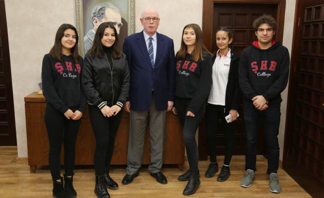 Şehir Okulları Öğrencileri Başkan Kurt'u ziyaret etti