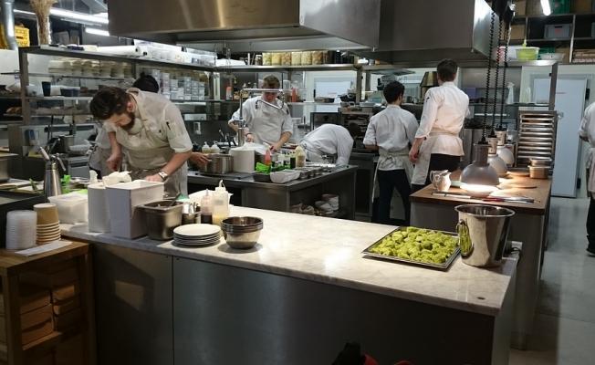 Restoran şefi mutfağı anlattı: Dışarıda döner, köfte, lahmacun yemeyin
