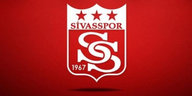 Sivasspor'un seyahat edeceği uçağa yıldırım çarptı
