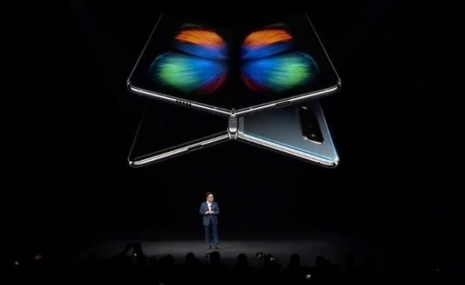 Katlanabilir ekranlı Galaxy Fold'un çıkış tarihi ertelendi