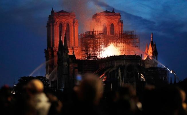 Notre Dame Katedrali için bağışlar 1 milyar dolara yaklaştı