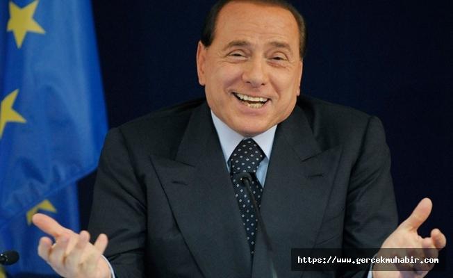 Berlusconi: Belki de Avrupa Birliği, Türkiye'yi yeniden kazanmalı