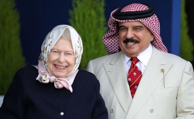 İngiltere Kraliçesi'nden tepki çeken davet