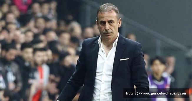 Beşiktaş'ın yeni hocası Abdullah Avcı imzayı atıyor