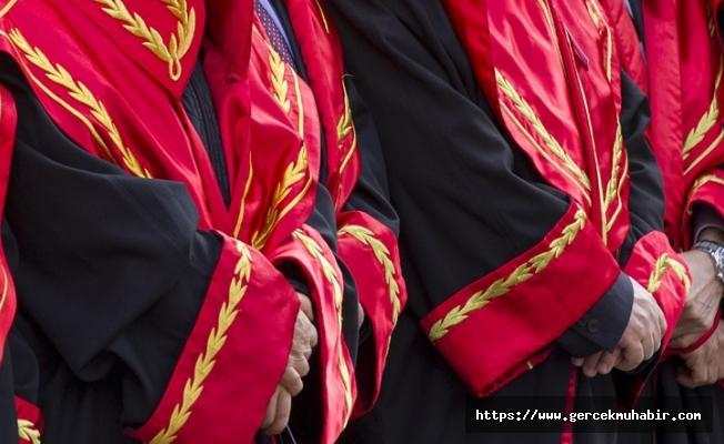 """9 hâkim ve savcı, """"FETÖ ile irtibat"""" gerekçesiyle görevden uzaklaştırıldı"""