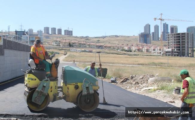 Çankaya'da asfalt çalışmaları ara vermeden devam ediyor