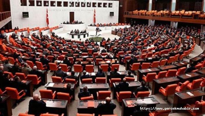 AKP, yargı paketi taslak metnini CHP'ye de sundu