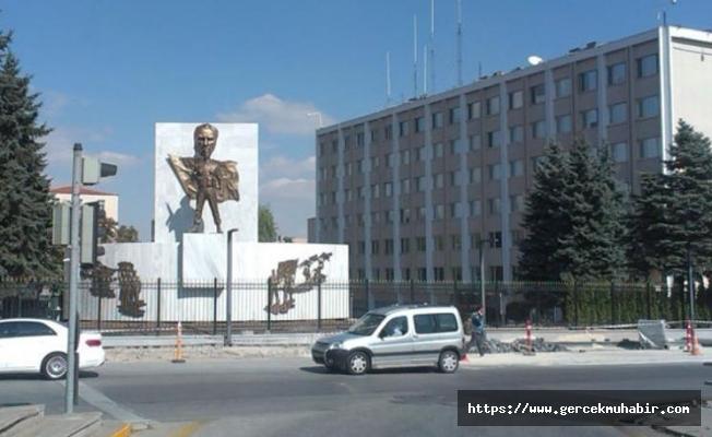 Jandarma, Atatürk portresini yeniden koydu