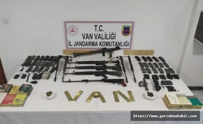 Van'da terör örgütü PKK'ya ağır darbe!