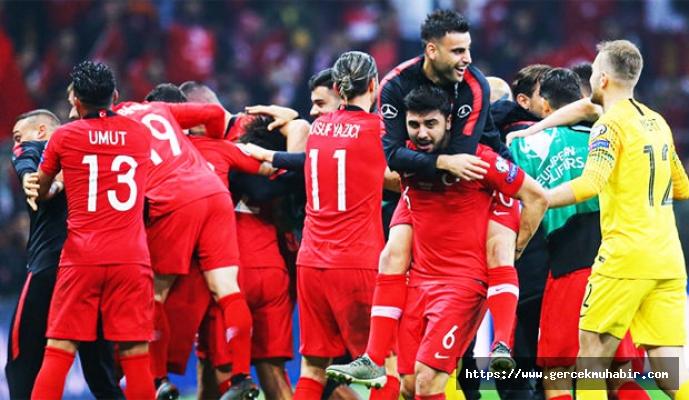 Avrupa'nın devleri, milli oyuncularımızı transfer etmek için sıraya girdi!