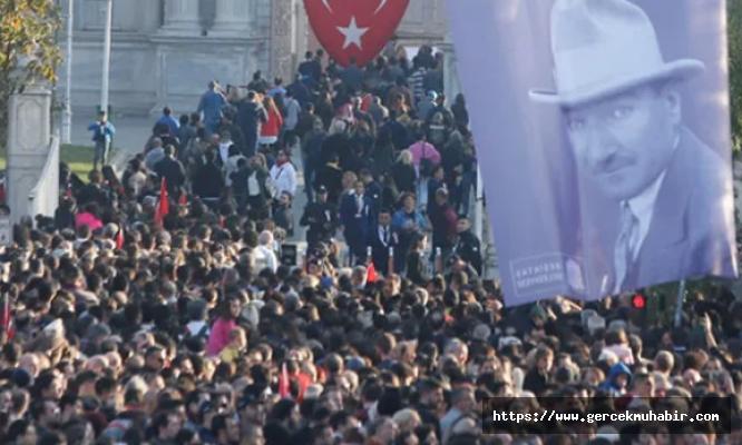 Tüm Türkiye'de saat 9'u 5 geçe hayat durdu