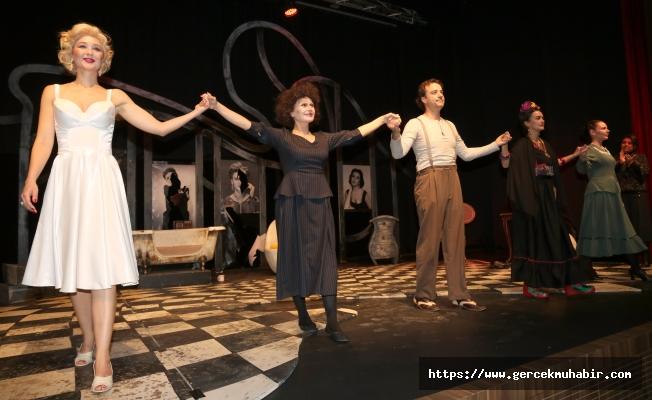 Uluslararası Ankara Tiyatro Festivali Dali'nin Kadınları İle Final Yaptı