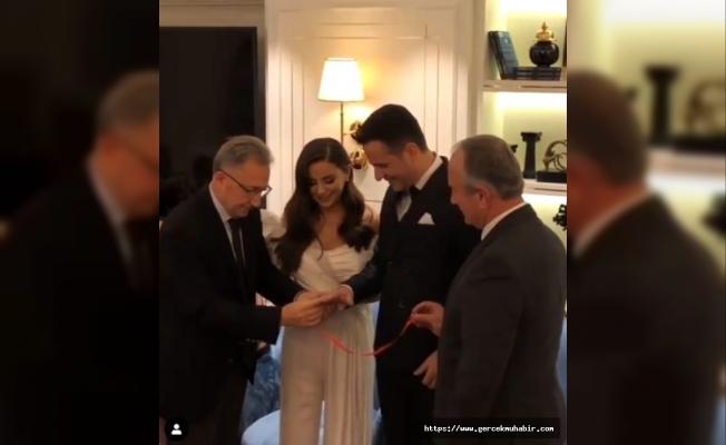 Şarkıcı Merve Özbey'in evine nişanlısı mehter takımıyla geldi