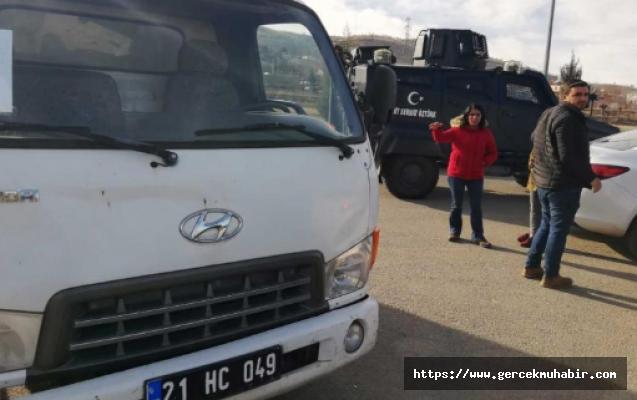 HDP'li belediyenin yardım kamyonları Valilik tarafından Elazığ'a alınmadı!