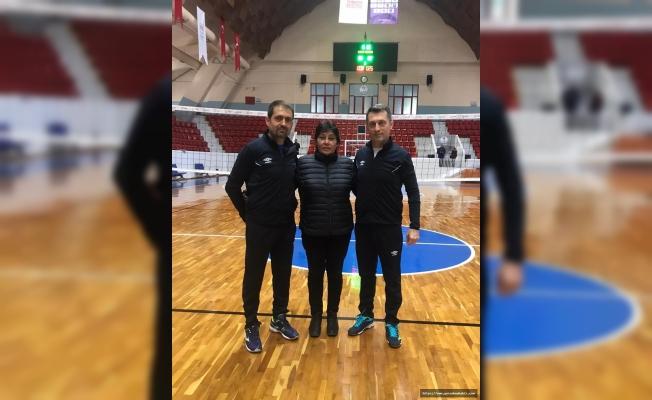 Seyhan Belediyespor Voleybol'da ışık saçtı