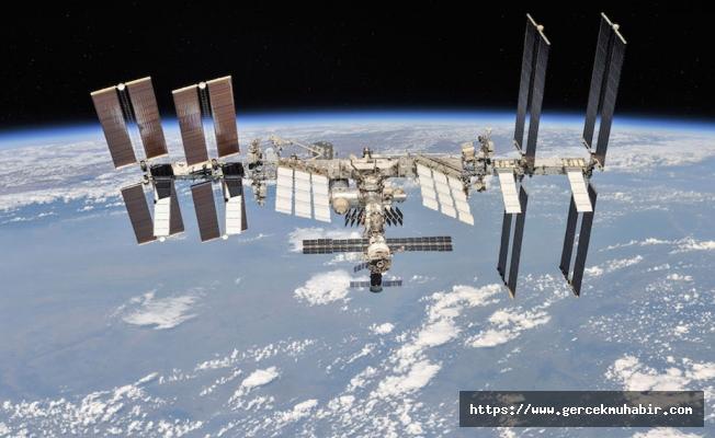Evinin bahçesinden Uluslararası Uzay İstasyonu'nun fotoğrafını çekti