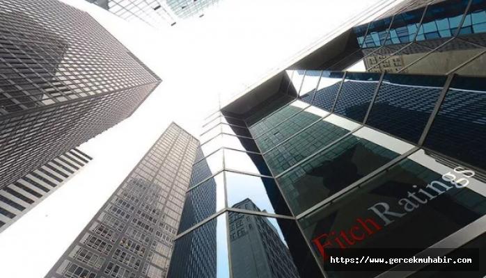 Fitch Türkiye'deki yabancı sermayeli 9 bankanın kredi notu görünümünü düşürdü