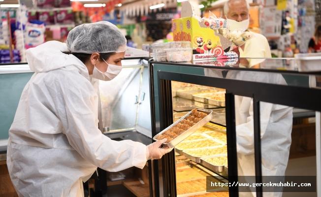 Konyaaltı Belediyesi, sağlıksız gıdaya geçit vermiyor