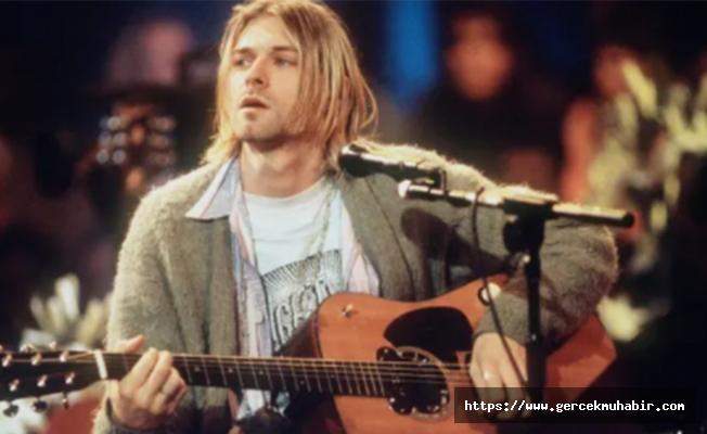 Kurt Cobain'in çaldığı gitar 6 milyon dolara satıldı
