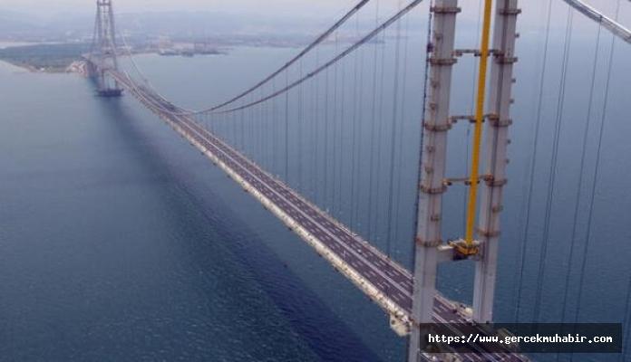 """Murat Muratoğlu: """"Biz mi köprüden geçiyoruz, köprü mü bizden?"""""""