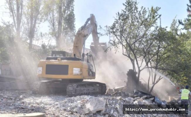 Çevre Sağlığı İçin Başkent Metruk Yapılardan Temizleniyor