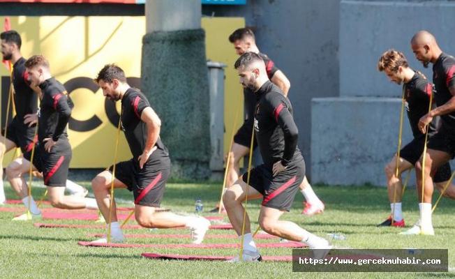 Galatasaray'a iki yıldızdan iyi Belhanda'dan kötü haber!