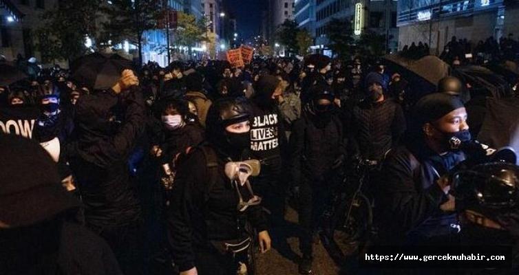 Beyaz Saray önünde arbede: Polis olayları durdurmaya çalışıyor!