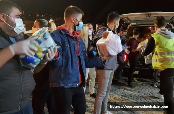 İzmir'de Depremzedelere Destek Çığ Gibi Büyüyor