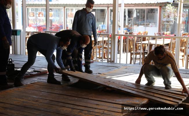 İzmir'de Tsunamide Zarar Gören Balık Hali ve Balıkçılar Çarşısı Yenileniyor