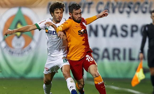 Arda Turan paylaştı; Ömer Bayram, Alanyaspor maçında kırık kaburgayla oynamış