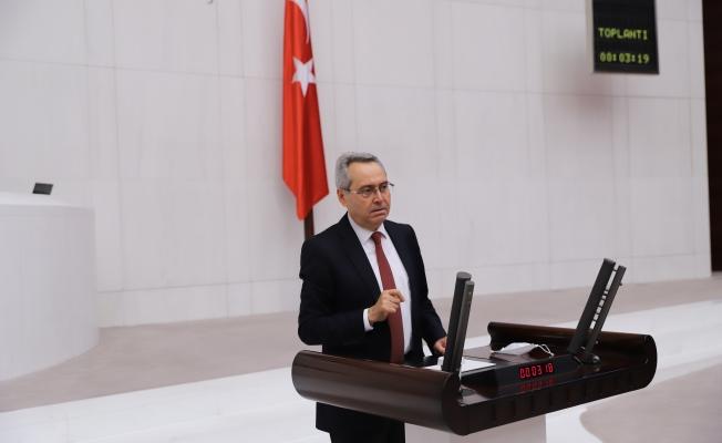 """CHP'li Zeybek: """"Kum hırsızlığında adı geçen meclis üyeleri istifa etmeli"""""""