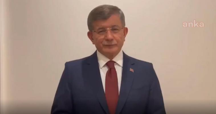 """Davutoğlu'ndan Erdoğan'a Tepki; """"En Acısı, Bir Annenin Hıçkırıklarına Aldırmaksızın Siyasi Propagandaya Bu Şehit Acısını Alet Etmesidir"""""""