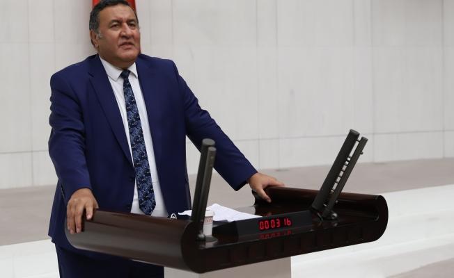 """Gürer; """"Cumhurbaşkanı ile Milli Eğitim Bakanı'nın tablet sayısı hesabı tutmadı"""""""
