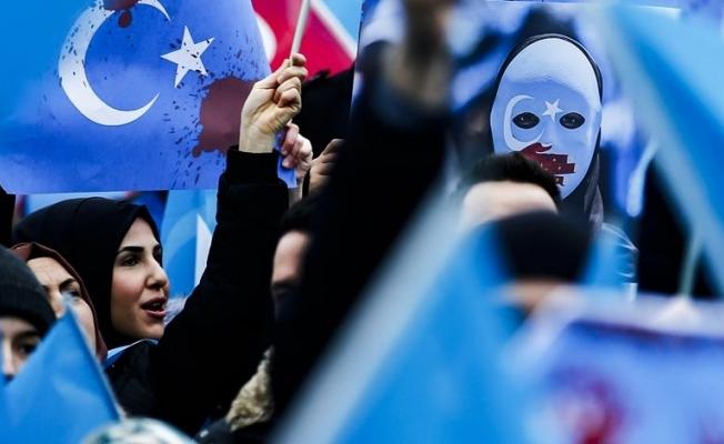 Hollanda Parlamentosu, Çin'in Uygurlara yönelik tutumunu 'soykırım' olarak tanıdı