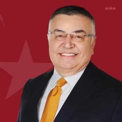 Kırklareli Belediye Başkanı yeniden CHP rozeti takıyor
