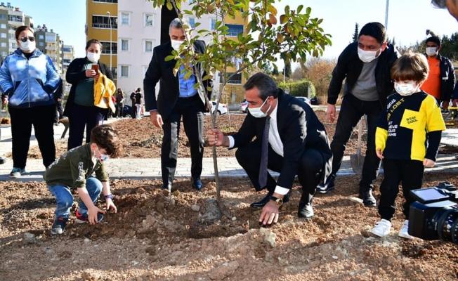 Park Çukurova'dan fidanlar vatandaştan