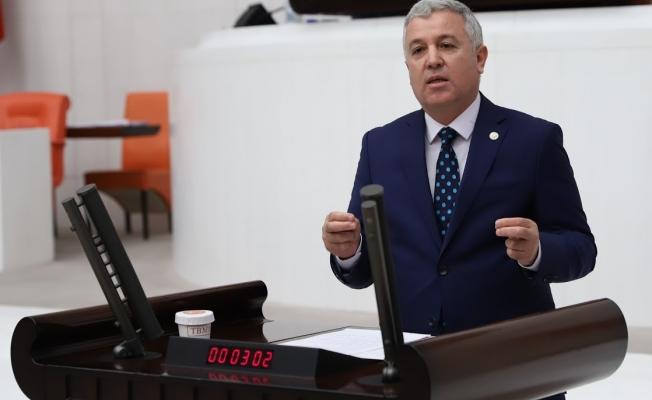 """CHP'li Arık; """"Teröristi Kahraman, Türk Subayını Terörist İlan Edenleri Lanetliyorum"""""""