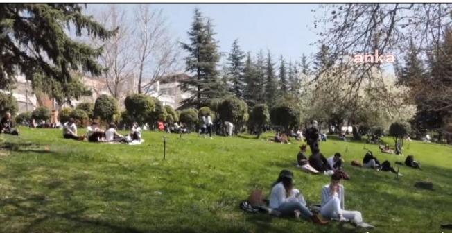Ankaralılar, Kapanma Öncesi Soluğu Parklarda Aldılar