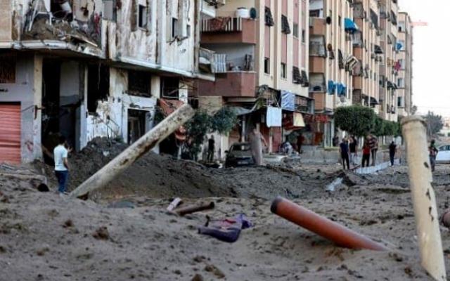 İsrail'in Gazze'deki Mülteci Kampına Saldırısında 8'i Çocuk 10 Kişi Hayatını Kaybetti