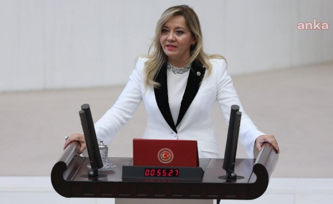 """İYİ Parti'li Aylin Cesur: """"Aşı randevularının iptal kararını bir gecede ne bozmuştur?"""""""
