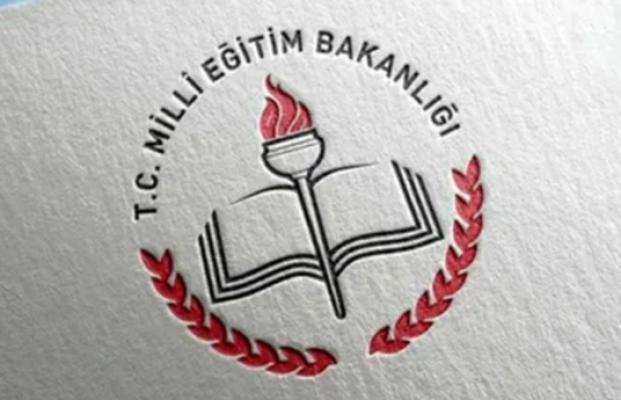 Saygı Öztürk: Milli Eğitim Bakanlığı, gizli protokollerle eğitimi yavaş yavaş dini vakıf ve derneklere bırakıyor