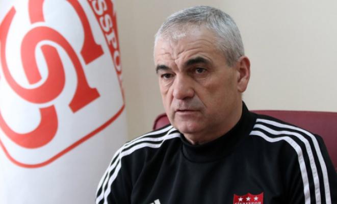 Sivasspor teknik direktörü Rıza Çalımbay: Pandemi olmasaydı şampiyon olurduk