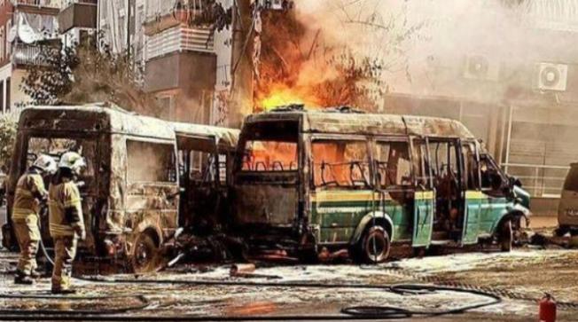 Çarpışan İki Minibüs Alev Alev Yandı; 6 Yaralı