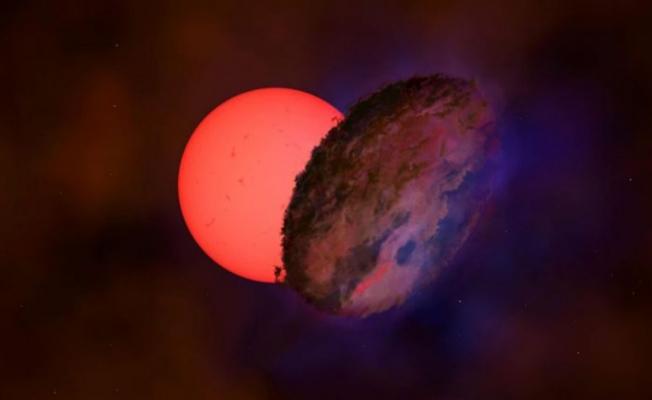 Güneş'in yaklaşık 100 kat büyüklüğünde yanıp sönen dev yıldız keşfedildi