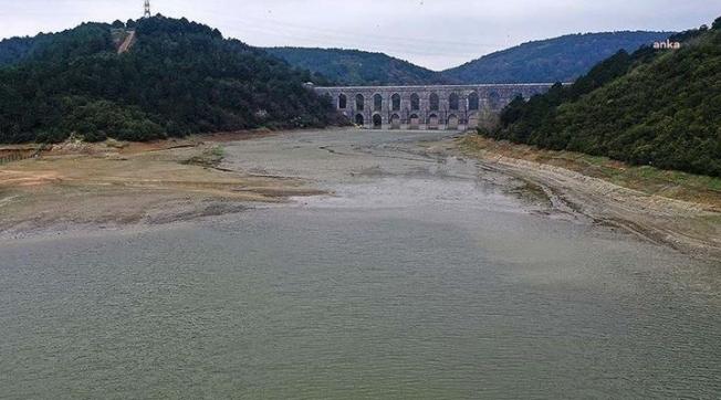 """İSKİ'den vatandaşlara """"baraj ve göllere girmeyin"""" uyarısı"""